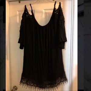 Women's/teen XL cold shoulder dress! Great cond!